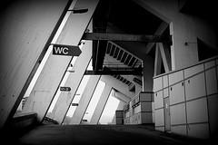 Tribne (Konsti.) Tags: gteborg schweden architektur stadion ifk tribne schwarzweis