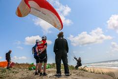 IMG_9258 (Laurent Merle) Tags: beach fly outdoor dune cte vol paragliding soaring ozone plage parapente atlantique ocan glisse littlecloud spiruline