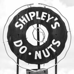 Shipley's (Thomas Hawk) Tags: usa america neon texas unitedstates unitedstatesofamerica houston donuts donut doughnut shipleydonuts shipleysdonuts