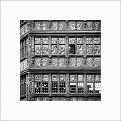 Maison Kammerzell (Guillaume et Anne) Tags: street city bw france canon noiretblanc nb strasbourg cathdrale alsace f2 135 maison 135mm 6d kammerzell 135mmf2 ef135