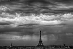 Undulatus Asperatus (bertrand kulik) Tags: cloud storm paris weather architecture eiffeltower ciel nuage orage mto amazingsky undulatusasperatus bertradkulik