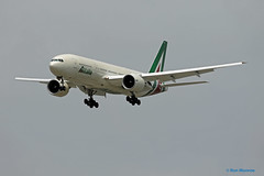 Alitalia, Boeing 777-200ER - New Livery (Ron Monroe) Tags: boeing lax airlines 777 airliners alitalia klax eidbl