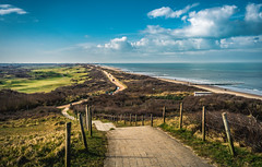 Connected (Ingeborg Ruyken) Tags: winter sea sky beach strand flickr pad zeeland zee trail lucht dropbox maart 2016 natuurfotografie weekendweg weekendjezeeland 500pxs
