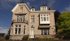 villa  Jambes (belgium) (Yasmine Hens) Tags: house europa flickr belgium ngc bluesky villa namur hens yasmine wallonie world100f iamflickr flickrunitedaward hensyasmine