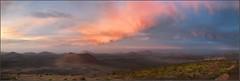 pano anochecer vista Caldera Colorada (Jordi Cruells Ros) Tags: lanzarote sunsetsunrise panormiques volcans panoramio40017366459454