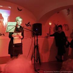 Presentacin en Tarragona (Txus G) Tags: barcelona madrid slam clown toledo lgbt poesia cabaret queer poeta lesbiana triangulo polipoesia beatrizgimeno aliciagarcia cangrejopistolero niasbien perfopoesia txusgarcia ciscobellabestia agustincalvo mariacastrejn