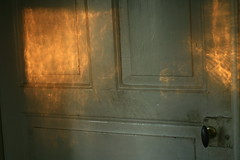 (Frida J) Tags: door sunset sun sunlight reflection solnedgng drr
