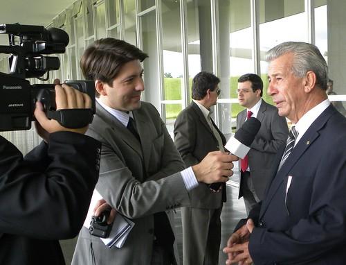 Deputado Federal Antônio Roberto concedendo entrevista