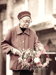 Granny - Huanglongxi (Pic_Joy) Tags: china old flowers history lady asia village culture wreath chengdu  tradition  granny sichuan   unescoworldheritage           ancientvillage  huanglongxi