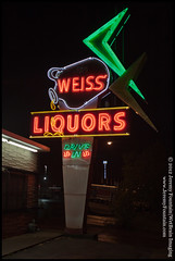 Weiss Liquors (Nashville TN) (jeremy.fountain) Tags: signs neon tn nashville liquor eastnashville davidsoncountytn