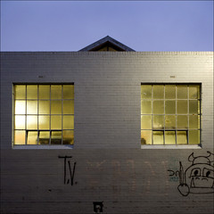 collingwood-2630-ps-w (pw-pix) Tags: street morning windows roof light brick dark grey alley grafitti collingwood painted earlymorning peak australia melbourne victoria symmetry lane laneway firstlight realfutons singletonst