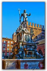 Bologna (Italy) - Piazza Maggiore (RayDS) Tags: italy square nikon italia bologna piazza statua nettuno d80 rayds