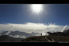 Becoming small (Glasauge ) Tags: sky people sun mountains clouds landscape schweiz switzerland himmel menschen berge 5d 40 landschaft sonne 1740 markii melchsee frutt