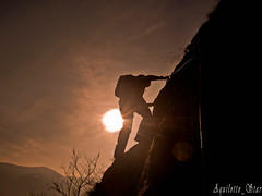 Verso la vetta (DavidePhotographer) Tags: light sunset shadow people mountains nature montagne landscape tramonto ombra natura persone climbing luce paesaggio arrampicata casioexh10