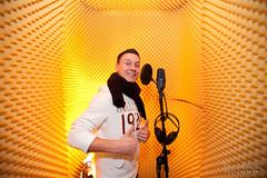 daniel dee recording (bluevizion) Tags: germany studio wiesbaden singing microphone hiphop recording danieldee ef1635mmf28liiusm robertfischer canoneos5dmarkii benschroeter