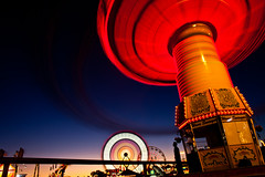 I Know Some Tricks (Thomas Hawk) Tags: california usa unitedstates fav50 10 statefair unitedstatesofamerica fair fav20 ferriswheel sacramento fav30 sacramentocounty waveswinger californiastatefair fav10 chairoplanes fav25 swingcarousel fav40 superfave californiaexpositionstatefair