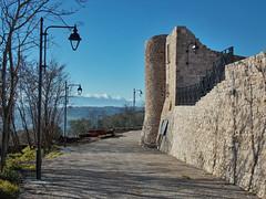 Cinta muraria di Molinara (Antonio De Capua) Tags: earthquake alley ruins stones fortifications vicolo pietra middleages borgo medioevo rovine terremoto cintamuraria fortificazione definsivewalls