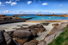 Plage du Coz Pors (Bobzogluax) Tags: sea mer seascape france beach landscape rocks fuji exterior marin bretagne cte fujifilm seafront plage rocher photoshopelements exterieur cotesdarmor xt10 niksoftware ruby10 ruby5