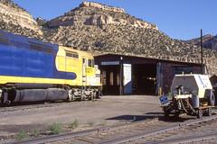 MKCX F45 #5527 at the Utah Railroad's facility in Martin UT on 7-14-96. (LE_Irvin) Tags: santafe f45 mkcx martinut