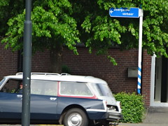 26-AL-17 Citroen DS 23 Break Apeldoorn (willemalink) Tags: break citroen ds 23 apeldoorn 26al17