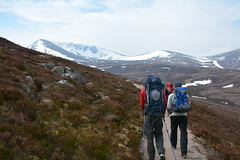 Heading up towards Coire Lochan and the start of the Fiacaill Ridge on the left (nic0704) Tags: mountain walking t landscape scotland highlands outdoor hiking hill peak an ridge climbing summit mountainside cairn gorm scramble cairngorm cairngorms foothill lochan coire sneachda fiacaill