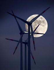 Windkraft_1 (EOS1DsIII) Tags: moon germany deutschland mond windturbine vollmond windkraft windkraftanlage renewableenergy alzey eos1dsiii