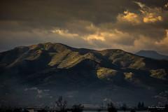 Les collines de Ttouan (Bouhsina Photography) Tags: light sky mountain color green clouds montagne sunrise canon landscape lumire vert morocco maroc montage nuages paysage couleur ttouan tetuan brillant bouhsina 5diii ef100400ii bouhsinaphotography