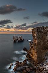 Falaises  Liencres (Herv D.) Tags: liencres losurros falhasse cliff mer sea ocean ocan atlantic atlantique cantabria cantabrie espagne spain spana seascape landscape paysage sunset coucherdesoleil