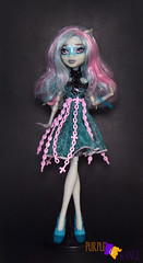 Rochelle Haunted (PurpleandOrangeMH) Tags: rochelle basic soll mueca monster high punta arenas chile orange purple freak du chic ghoul chat haunted scaris zombie shake ghouls night out