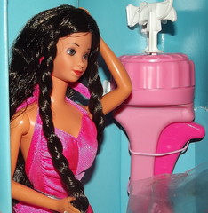 BARBIE  TWIRLY CURL  HISPANIC  ERA SUPERSTAR (super.star.76) Tags: barbie era hispanic curl superstar twirly