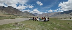 lunch spot on the Zanskar river Adventure raftingand kayaking trip