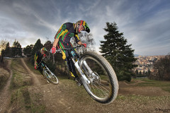 Gatan (Imbert Guillaume) Tags: bicycle lyon downhill whip freeride hdr vtt vlo sarra fourvire descente yti strobist