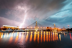 electric anzac (Luke Tscharke) Tags: storm sydney lightning anzacbridge electricalstorm