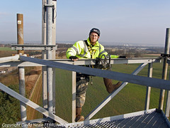 Working at Heights - Sloemans Farm M25 (Daveyboy_75) Tags: towers olympus masts hiviz radiotowers telecomms riggerboots workingatheights safetyclothing sp560
