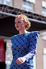 Fashion show Red Head Day [47] (Tim Vergeer (Flashbackfoto)) Tags: beauty model fashionshow breda catwalk grotemarkt modeshow canonef85mmf18usm roodharigendag redheadday