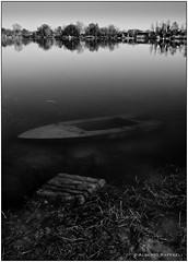 Il segreto del lago (Alberto Raffaeli) Tags: bw italy lake water landscape lago casa barca italia country campagna acqua bianconero marche paesaggio