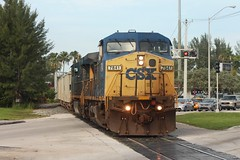 Miami-Style Railfanning @ CSX Lehigh Spur (brickbuilder711) Tags: csx k977 train y22319 miami doral florida lehigh spur c408w rock homestead sub dash 8