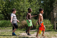 Lost Boys or the Three Musketeers? (Lex Eggink) Tags: boys water fight marching determined tough buiten lostboys spelen stoer threemusketeers