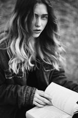 (la_cla25) Tags: portrait blackandwhite beautiful beauty hair book model eyes wind libro occhi ritratto biancoenero vento capelli modella