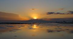 IMG_0028x (gzammarchi) Tags: italia mare nuvola alba natura sole paesaggio ravenna riflesso lidodidante