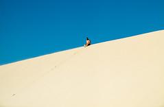 O solitrio (felipe sahd) Tags: people brasil homem maranho dunas nordeste barreirinhas solitrio lenismaranhenses