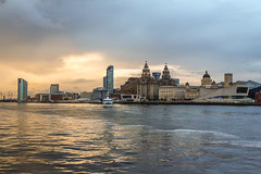 Sailing into the city (saile69) Tags: liverpool liverbuilding mersey rivermersey tide ferries ferry across museum shantyking