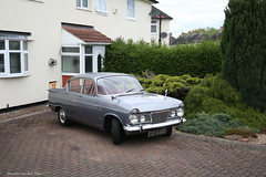 The front garden (Maurits van den Toorn) Tags: auto england car classiccar oldtimer humber sceptre rootes