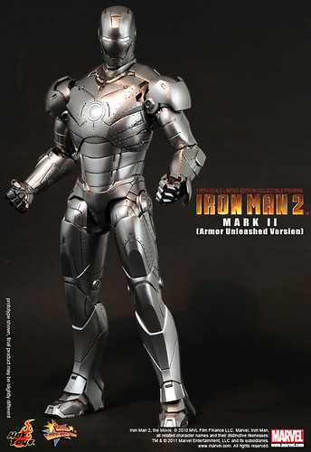 Hot Toys Iron Man 2 Mark II (Unleashed Version)