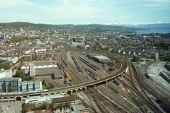 Prime Tower Zrich, view towards railway tracks, old city, lake and alps (Sekitar) Tags: lake alps tower prime schweiz switzerland europe track view suisse railway architect zrich oldcity pemandangan gigon guyer