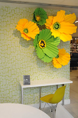 Spring 'With A Twist' Windows (Heal's - heals.co.uk) Tags: retail store spring citrus lime interiordesign widowdisplay
