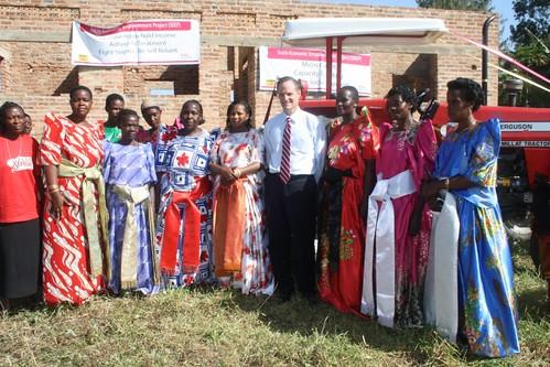 Michael with the SEEP members.