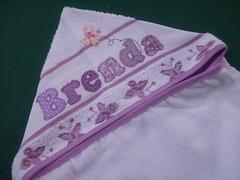 Toalha de banho capuz Brenda (*Sonhos e Retalhos Ateli*) Tags: beb patchwork menina letras borboletas bordado costura alfabeto patchcolagem apliqu toalhabebcomcapuz