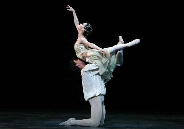 Tamara Rojo as Juliet and Carlos Acosta as Romeo in Romeo and Juliet © Dee Conway/ROH 2012