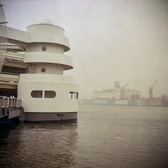 120325_YashicaLM_KodakPRO160_10.jpg (TorpedoAhoi) Tags: 6x6 gteborg sweden gothenburg sverige 2012 yashicalm epsonv750 torpedoahoi